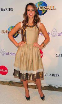 Jessica Alba y su look 'tra-lara-larita'