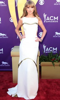 Taylor Swift vestida de J Mendel