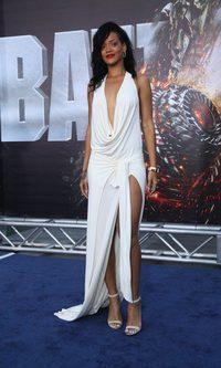 Rihanna deja poco para la imaginación