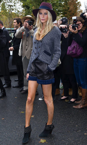 Poppy Delevigne se viste de tweed