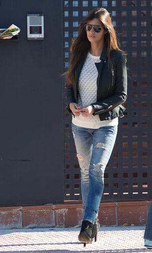 Sara Carbonero sigue apostando por los looks más trendy