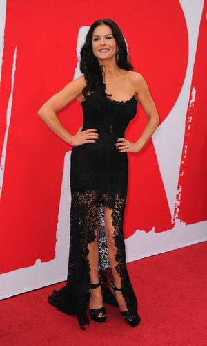 Catherine Zeta Jones da una lección de estilo