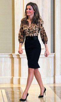 La princesa Letizia se apunta al animal print