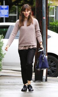 Jennifer Garner, de total look masculino