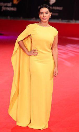 Imma Cuesta, espectacular de amarillo y de Dolores Promesas