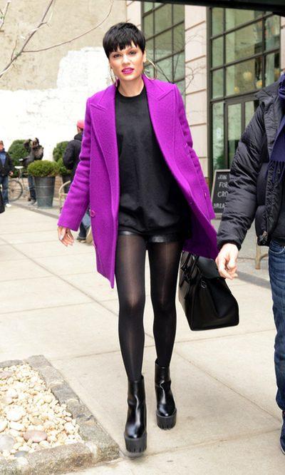 Jessie J gana centímetros de altura gracias a las plataformas