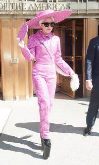 Lady Gaga lo apuesta todo al rosa
