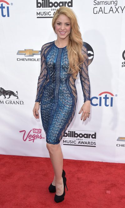 Shakira, sensual en color azul