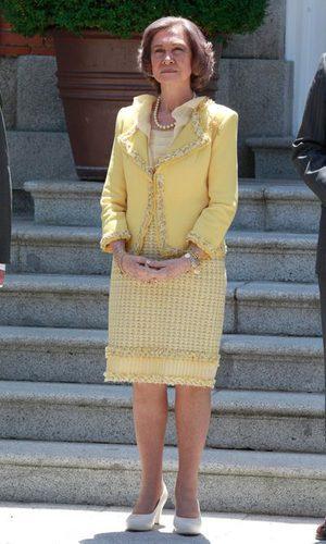 La Reina Sofía apuesta por el color mostaza