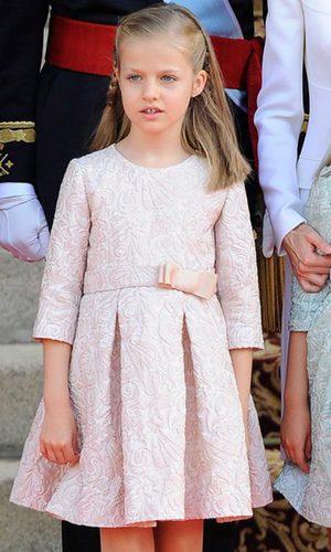 La pequeña Leonor, rosa palo para estrenarse como Princesa de Asturias