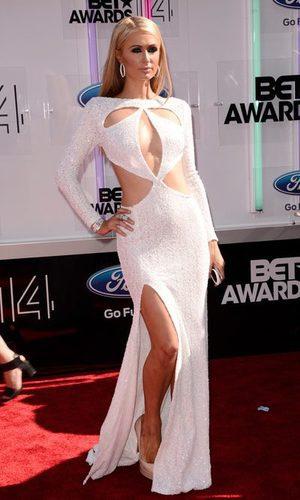 Los mil y un escotes de Paris Hilton