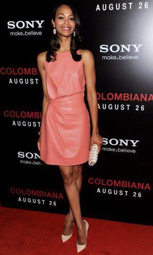 Zoe Saldana, cuero rosa de Valentino