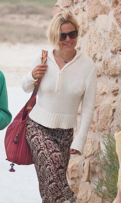 Eugenia Martínez de Irujo, una hippy por Ibiza