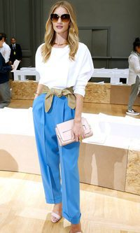 Rosie Huntington-Whiteley: impecable con prendas básicas