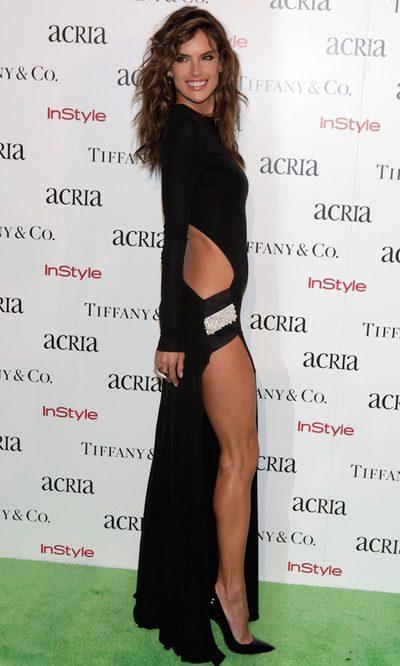 Las aberturas del vestido de Alessandra Ambrosio