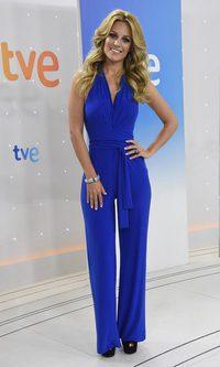 Edurne, jumpsuit azul klein con sabor a Eurovisión