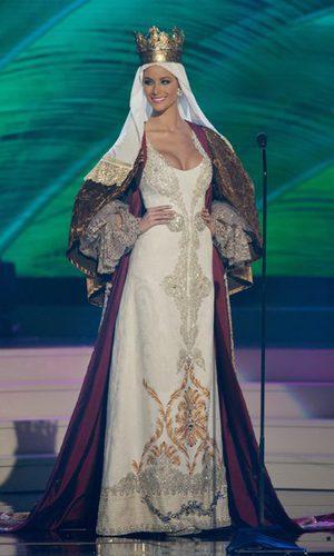Desiré Cordero se convierte en Isabel la Católica
