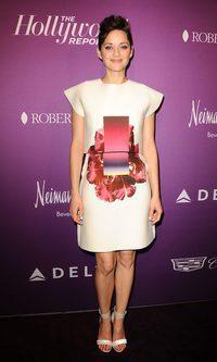 Marion Cotillard se hace arte con Carolina Herrera