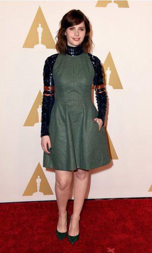 Felicity Jones se pone galáctica en el almuerzo de los Oscar 2015