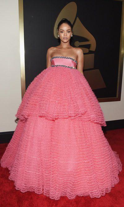 Una mesa camilla llamada Rihanna