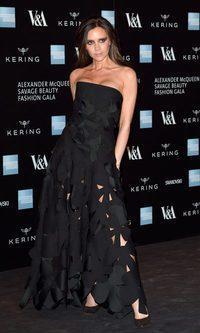 Victoria Beckham se anima con el calado