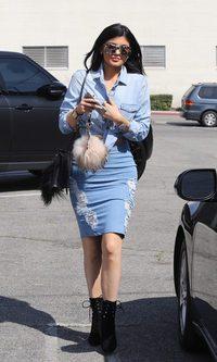 Kylie Jenner apuesta de lleno por el denim