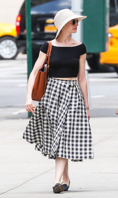 Anne Hathaway, a cuadros