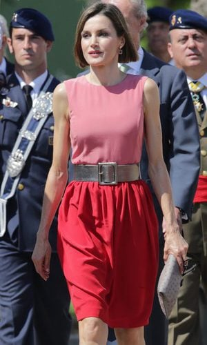 La Reina Letizia no tiene miedo a las malas combinaciones de color