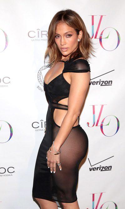 Jennifer Lopez se pasa con las aberturas