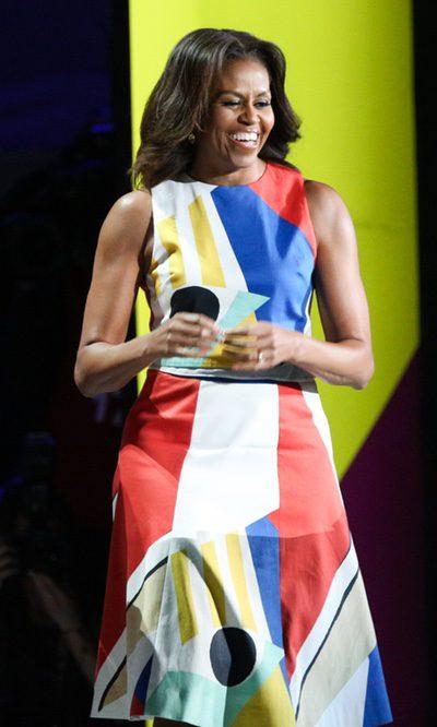 Michelle Obama se pone multicolor