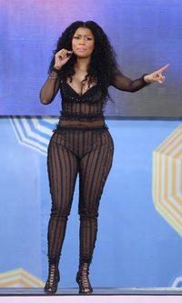 A Nicki Minaj se le queda pequeño el jumpsuit