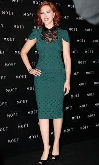 Scarlett Johansson, silueta lápiz en Shanghai