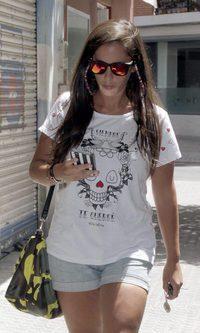Anabel Pantoja, camuflada con sus gafas polarizadas