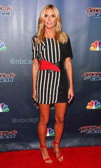Heidi Klum, rayada pero con elegancia