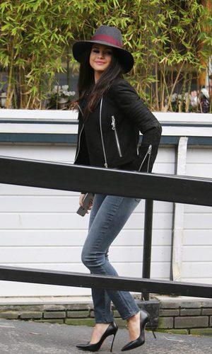 Selena Gomez, impresionante con su sombrero