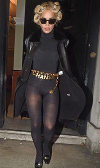 Rita Ora, su imagen más oscura
