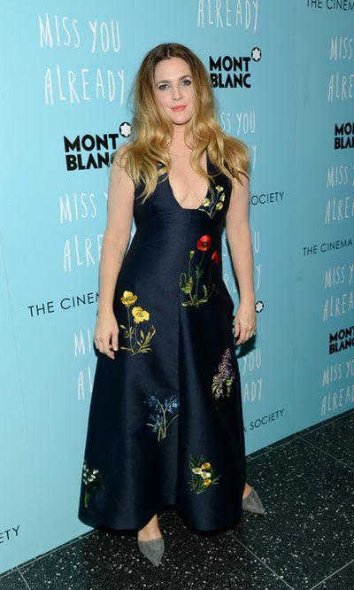 Drew Barrymore añora las flores de primavera