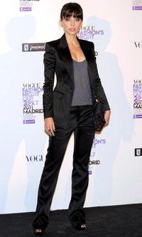 Leticia Dolera, estilo masculino de Burberry