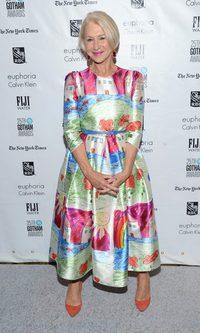 Helen Mirren sorprende con su vestido 'naif'