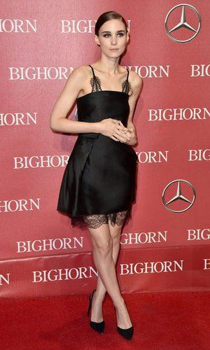 Rooney Mara no convence con su vestido lencero de Lanvin