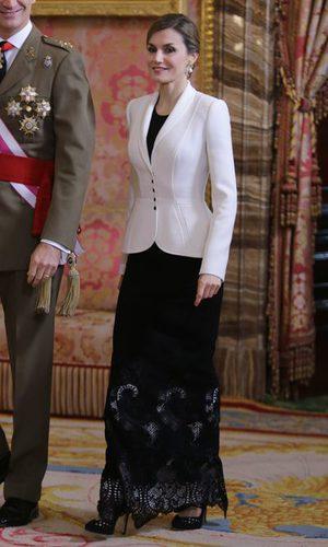La Reina Letizia empieza 2016 estrenando Varela