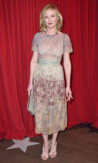 Kirsten Dunst y su Valentino exótico
