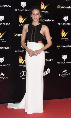 Irene Escolar, look clásico en los Premios Feroz