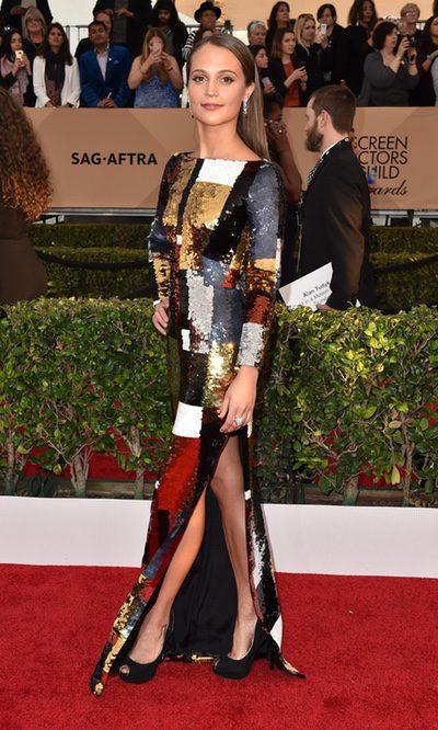 Alicia Vikander, brillo excepcional con su Louis Vuitton