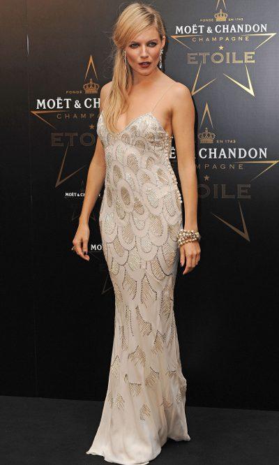 Sienna Miller, irreconocible de Dior
