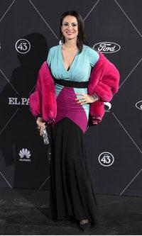Silvia Jato fracasa con su vestido multicolor