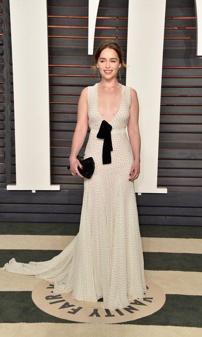 Emilia Clarke y unos aires flamencos que no convencen