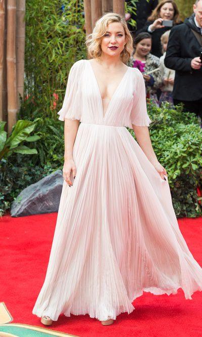 Kate Hudson, espectacularmente plisada