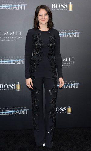 Shailene Woodley no brilla con su Elie Saab
