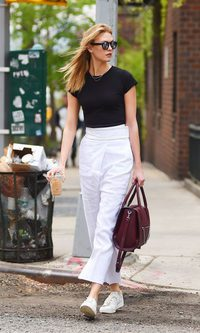 Karlie Kloss, working girl
